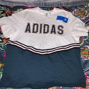 Adidas oversized t-shirt